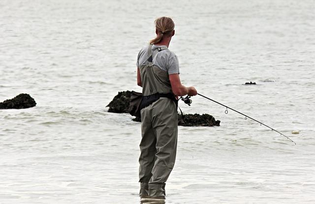 rybář u moře.jpg