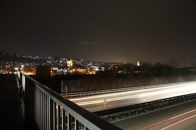 večerní dálniční provoz.jpg