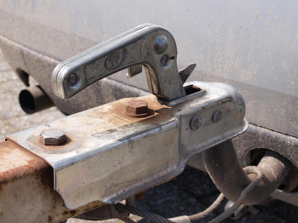 připojený vozík za auto
